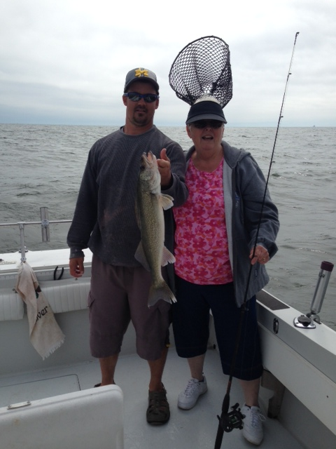 Monroe michigan fishing report stray cat fishing for Lake erie fishing charters